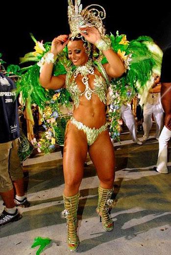 Viviane Araújo, divindade brasileira do Carnaval